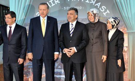 Erdoğan artık AKP ile kavga ediyor.