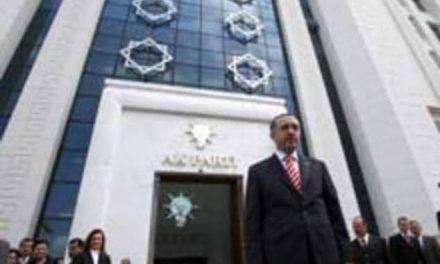 AKP siyaseti merkeze sabitlemeye çalışıyor.